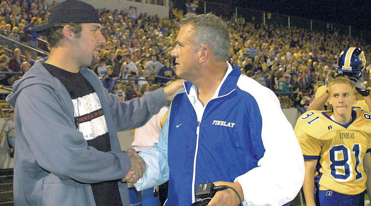 Ben Roethlisberger and his former Findlay High School coach Cliff Hite in 2005.