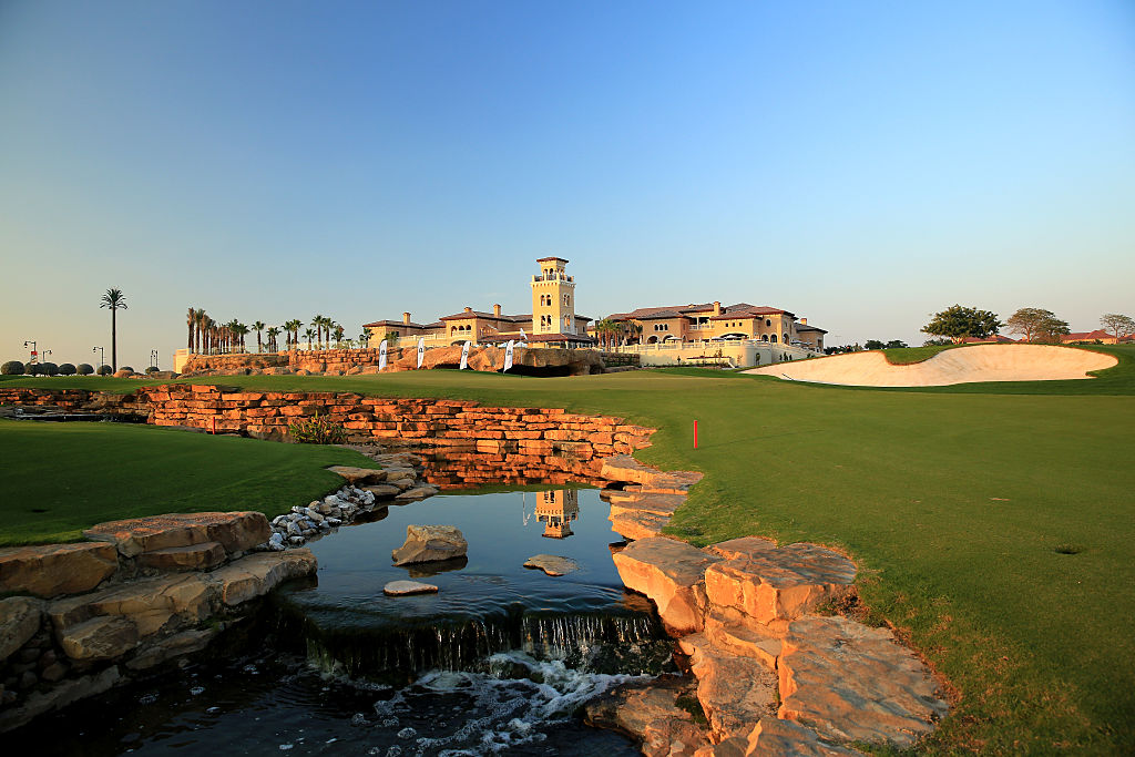 This 2009 Greg Norman design plays host each November to the PGA European Tour's season-ending DP World Tour Championship. It's mostly open, with generous landing areas, but at 7,706 yards, plus water, wind and sand, it's a stern challenge, notably at the par-5 18th, where a serpentine, rock-lined stream bisects the middle of the fairway. Rory McIlroy and Henrik Stenson have each won twice here since 2012.