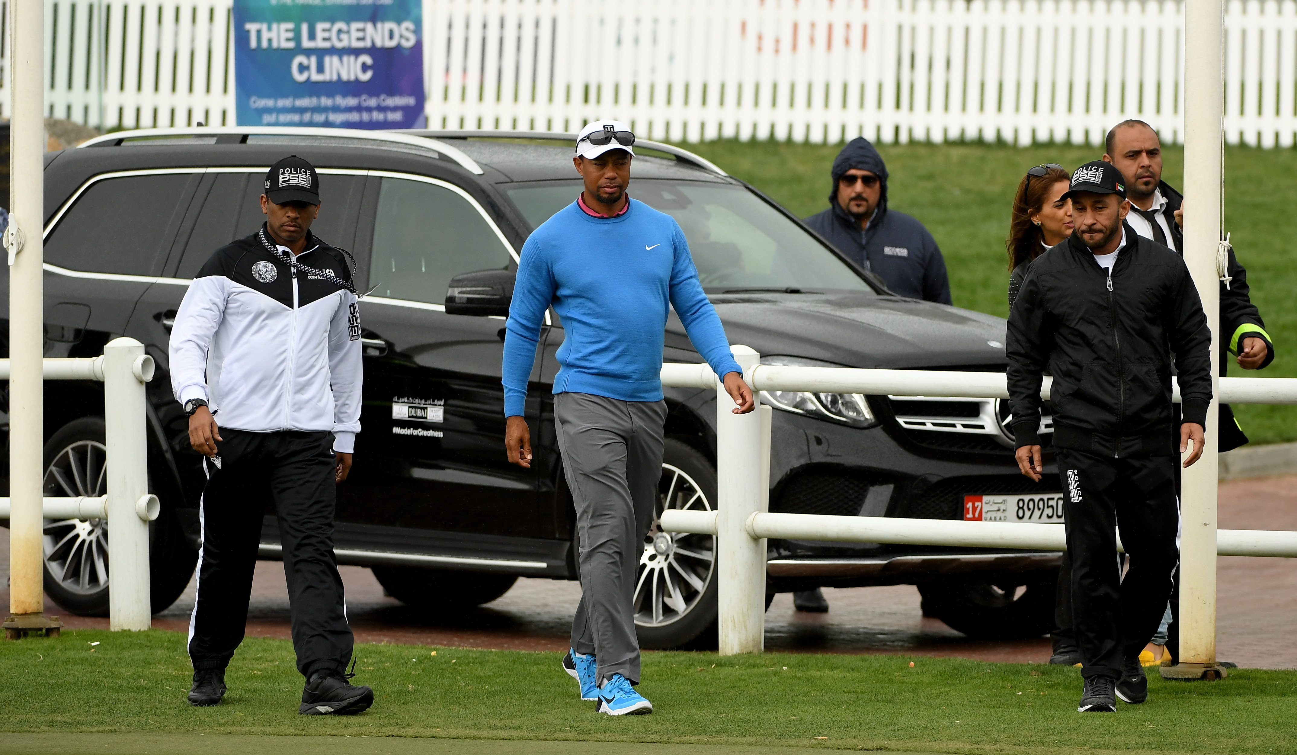 Tiger Woods withdrew ahead of his second round tee time at the Omega Dubai Desert Classic, citing back spasms.