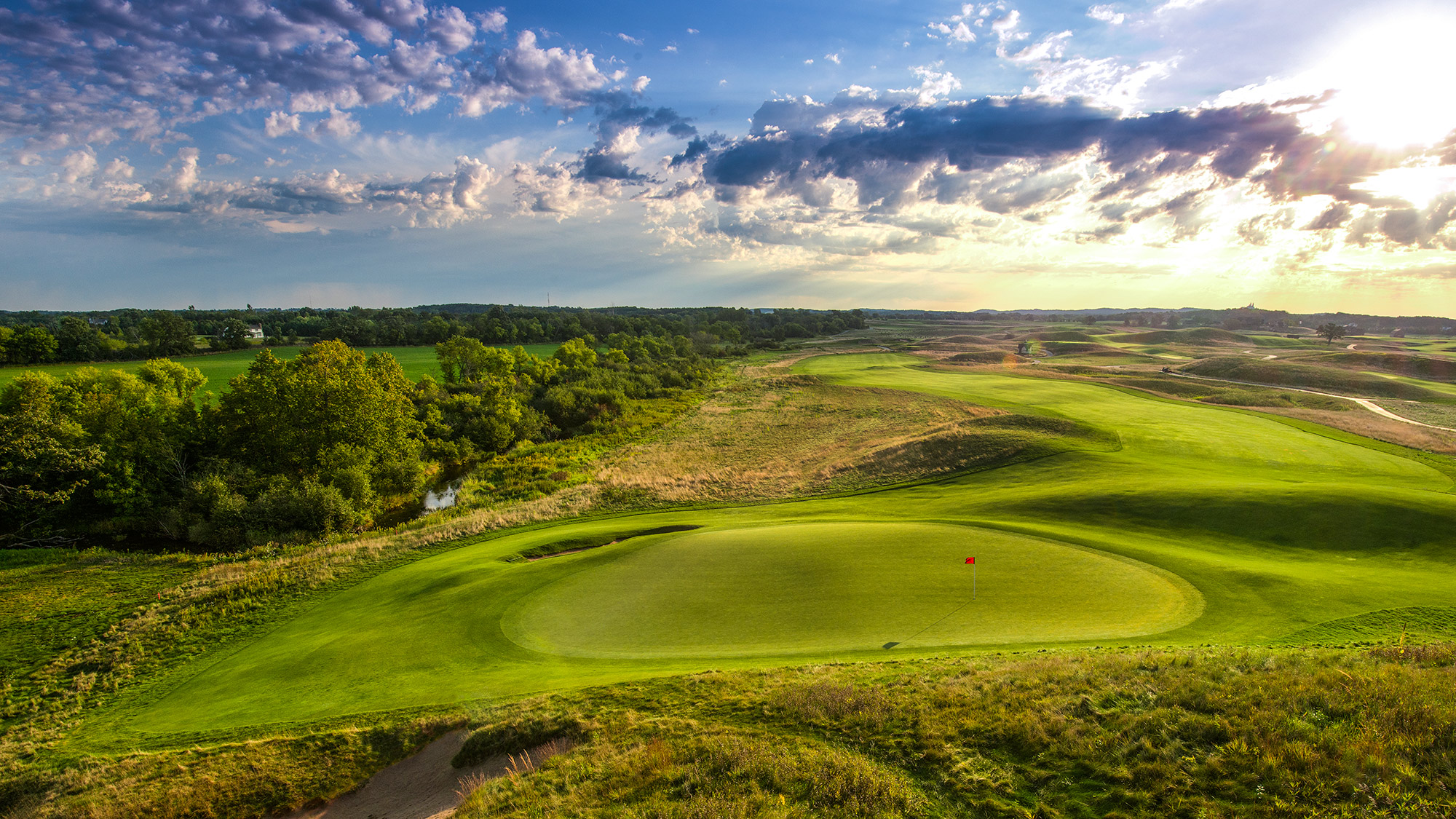In June, the U.S. Open pays its first visit to this public-access, 11-year-old Michael Hurdzan- Dana Fry design (with Ron Whitten consulting). Located 35 miles northwest of Milwaukee, the course occupies a massive, topsy-turvy spread of ridges, dunes and fescue grasses, lending a linksy, Ireland-in-the-Heartland ambience. Of course, no Emerald Isle track stretches to 7,812 yards, as this one does.