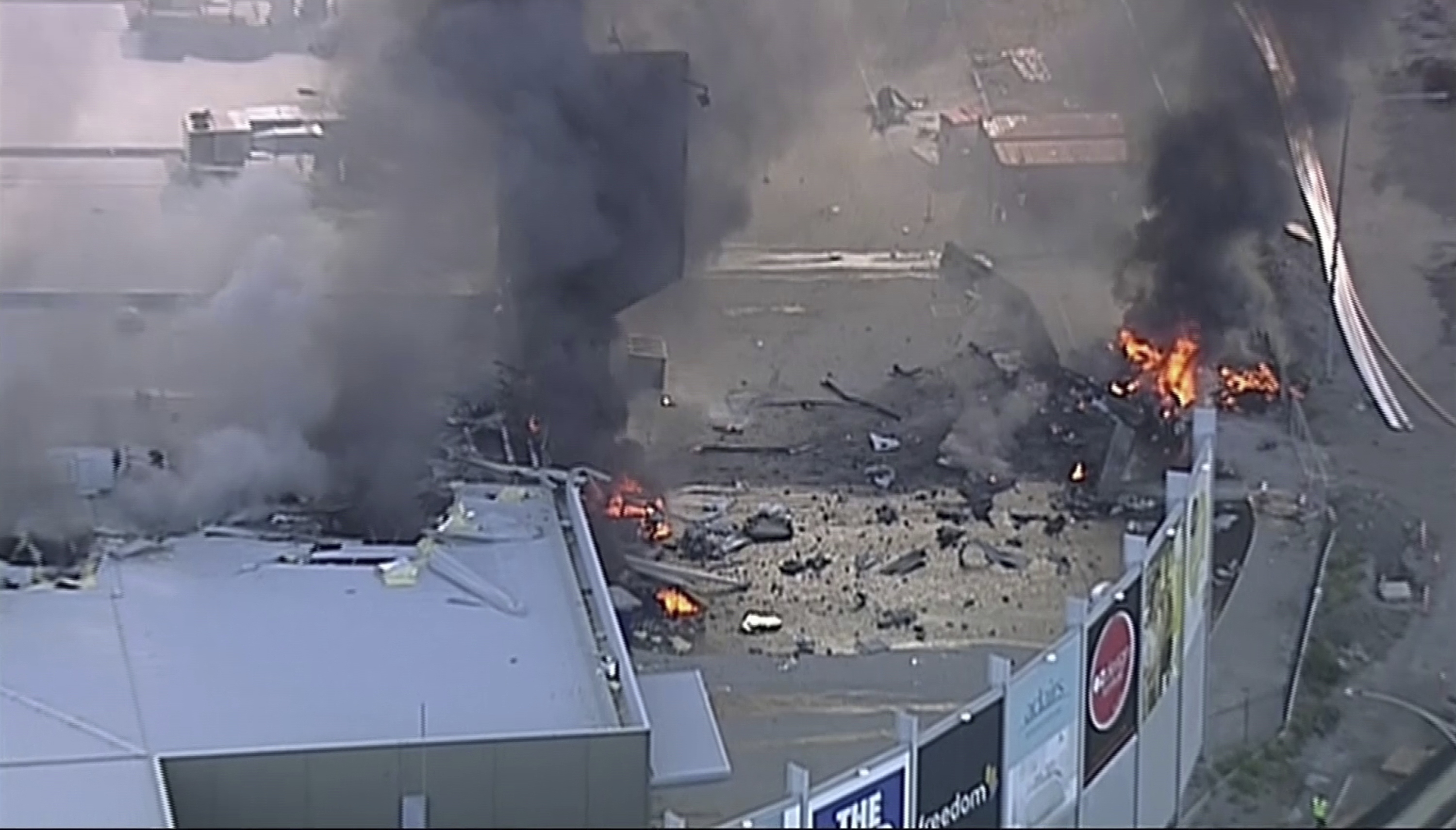 Five people--four passengers and a pilot--were killed in a plane crash early Monday morning in Melbourne, Australia.