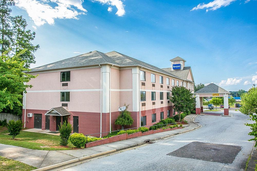 The Rodeway Inn & Suites in Augusta, Georgia.