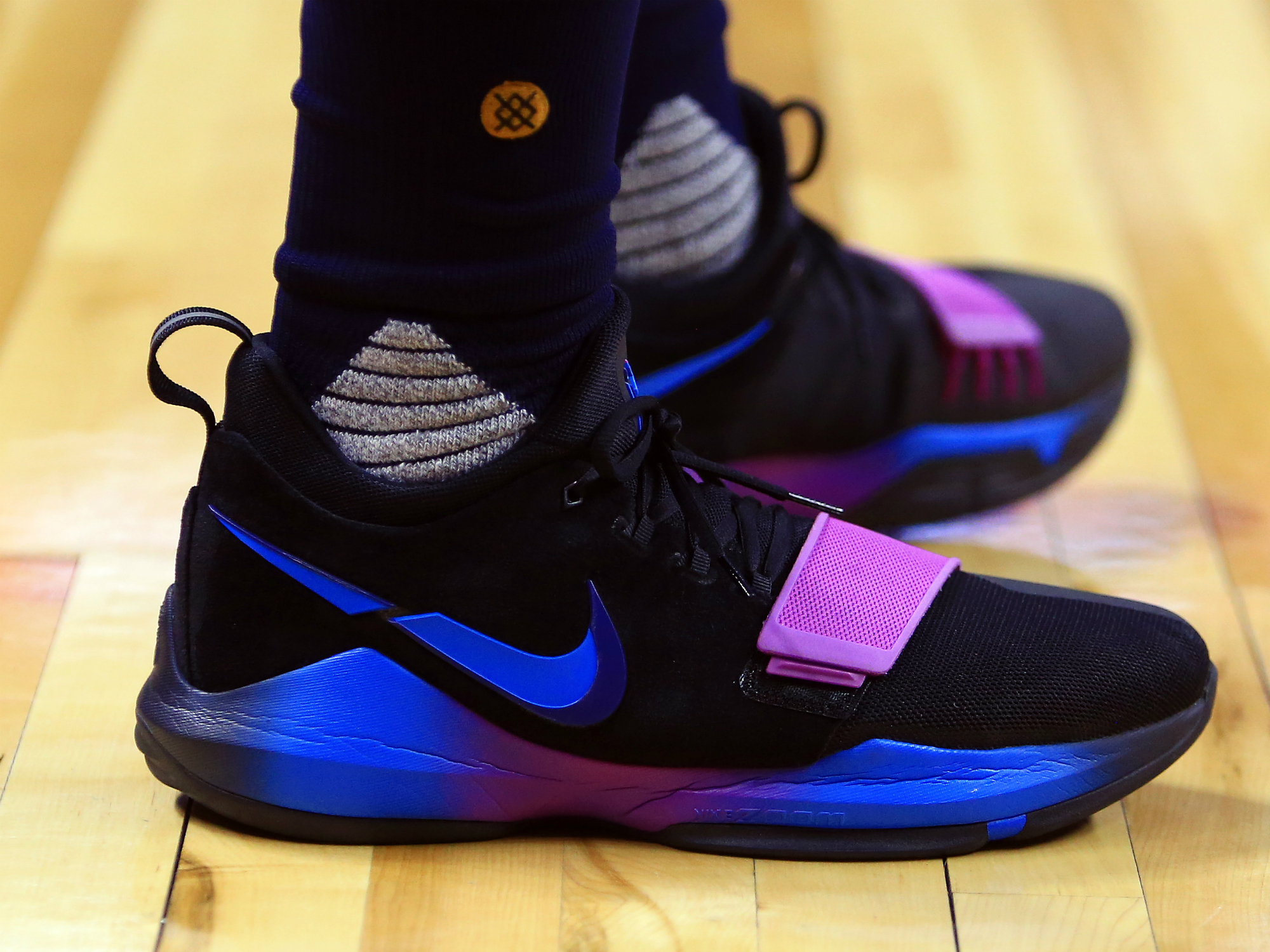 NBA Sneakers Roundup: Curry birthday, fluorescent PG1 | SI.com