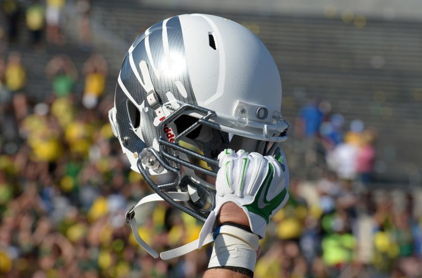 Oregon Football Recruiting: Tight End Moses Robinson-Carr Commits To Ducks
