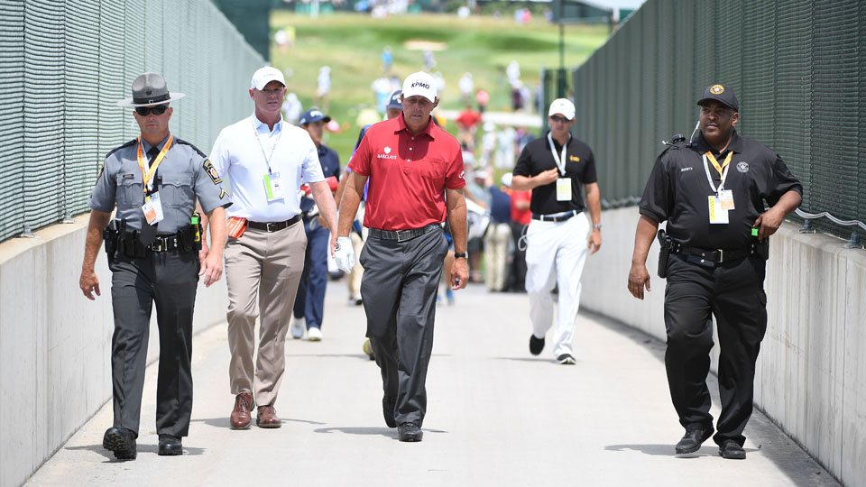 Phil Mickelson won't be at Oakmont on Tuesday, but he plans to play a practice round on Wednesday.