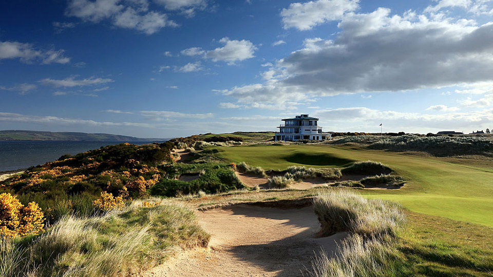 The ninth at Castle Stuart takes in the clubhouses and what you've come to see: the sea.
