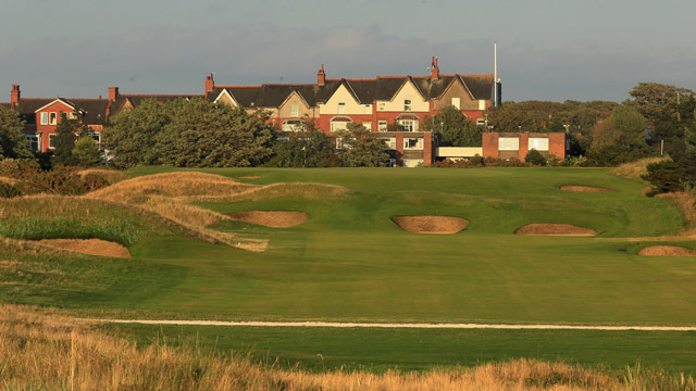 Royal Lytham & St. Annes, No. 8, 417 yards, par 4