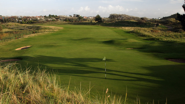 Royal Birkdale, No. 5, 346 yards, par 4