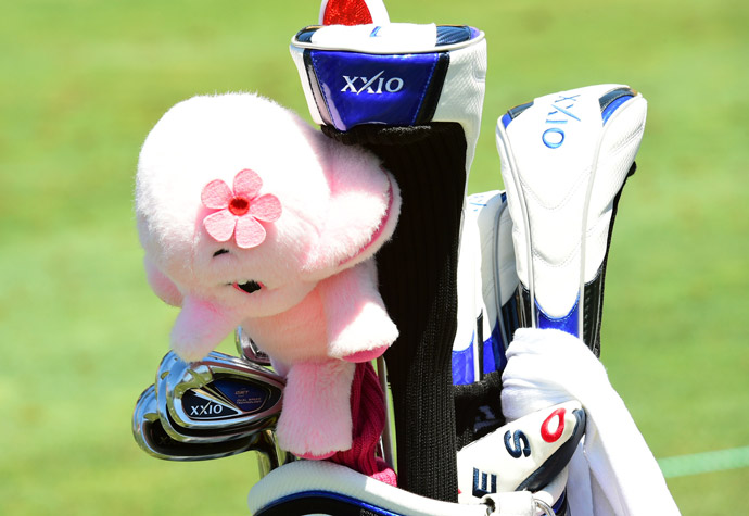 Sakura Yokomine has a full bag of XXIO clubs as well as an interesting headcover.