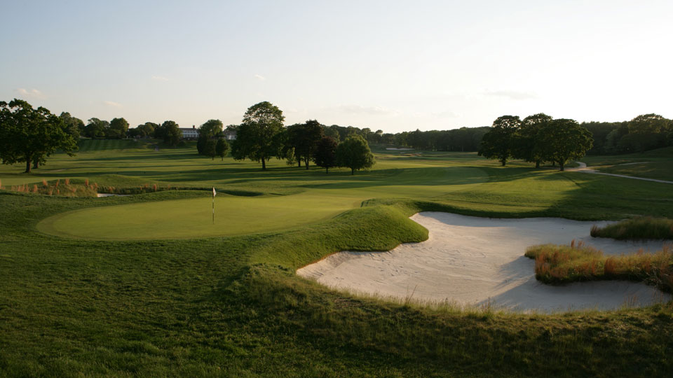 "Bethpage (Black) greets you with 430 yards of ""Welcome to New Yawk!"""