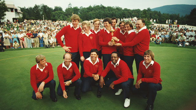 Low-key Larry Nelson (front row, second from left) led Team USA to its 17-11 win in 1979.