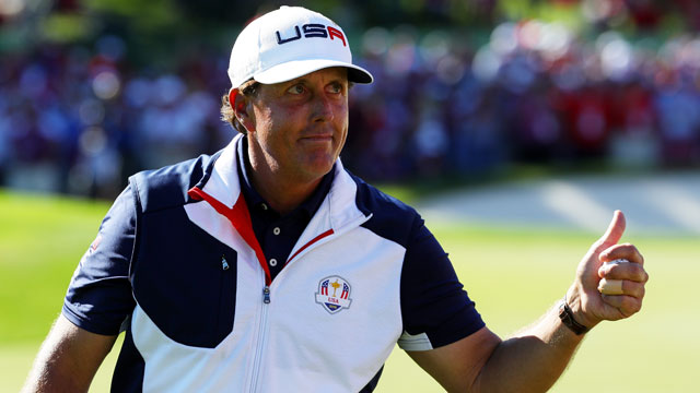 Phil Mickelson halved his match with Sergio Garcia on Sunday.