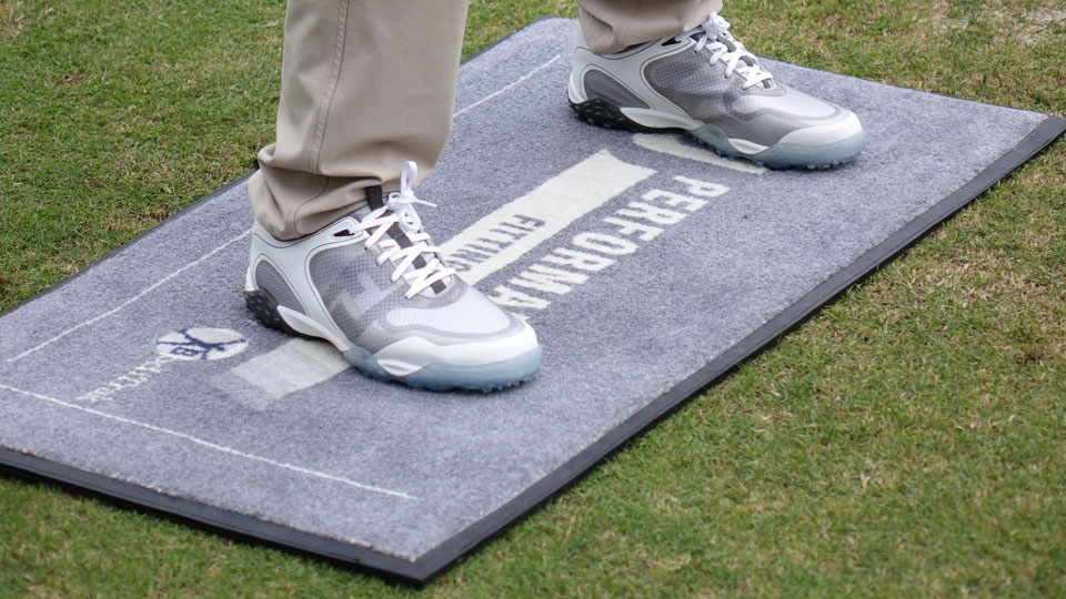 FJ's new fitting system measures crucial weight distribution—and, yes, your shoe size.