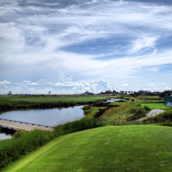 @StephanieWei: Standing on the very front tee of 13. #eyecandyeverywhere @ The Ocean Course At Kiawah Island@StephanieWei: Standing on the very front tee of 13. #eyecandyeverywhere @ The Ocean Course At Kiawah Island