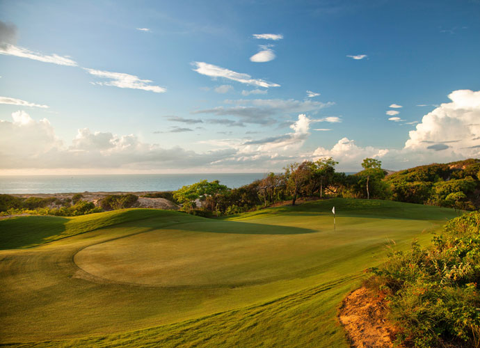 The East Sea provides a picturesque backdrop to the par 4 opening hole. At just 337 yards from the tips, the first shares a fairway with the ninth hole and lets players ease into what will be a memorable round.