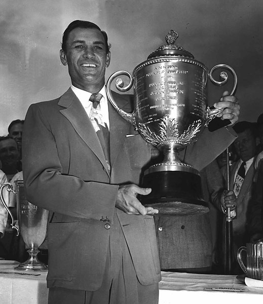 Hogan won his second PGA Championship title in 1948 at Norwood Hills Country Club in St. Louis.