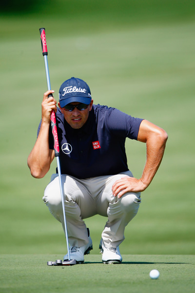Reigning Masters champion Adam Scott fired an opening round 10-under 62, the lowest score at Bay Hill in 30 years, tying the course record and taking a 3-shot lead in the Arnold Palmer Invitational.