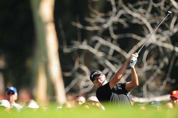 Robert Allenby, a past champion at Riviera, watched his tee shot on the second hole Saturday.