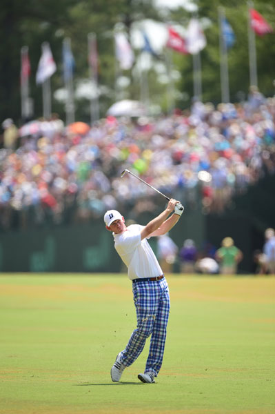 Brandt Snedeker shot a 2-over 72 and was -1 overall, tied for sixth.
