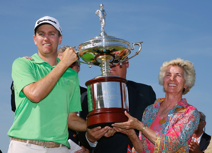Brendon Todd poses with Byron Nelson's wife, Peggy. Todd shot a bogey-free 66 on Sunday to close out a two-shot victory at the Byron Nelson Championship.