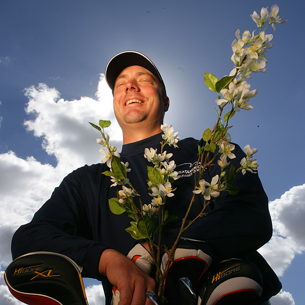 Brett Wetterich                        AGE: 33                        LIVES: Jupiter, Fla.                        TICKET TO AUGUSTA: Top 40 U.S. money list; Top 50 World Ranking                        Flower: Flowering Crab Apple (4th Hole)                       Fourth in driving distance in '06 (307.8-yard average), he has the length to tame the 7,445-yard Augusta National.