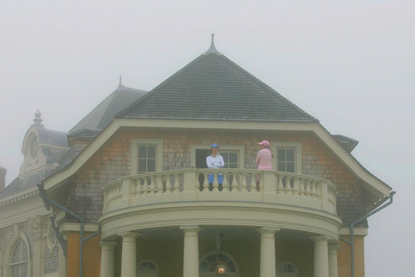 During a fog delay during the 2006 U.S. Open, Creamer and Michelle Wie had a chat on a balcony at Newport Country Club