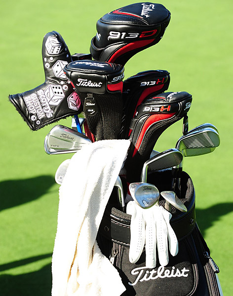 Can you spot the Titleist 712U driving iron in D.H. Lee's golf bag?