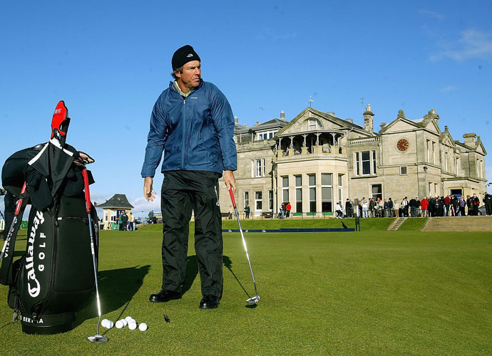 Dennis Quaid practices at the Old Course at St. Andrews. He has a 6.1 handicap at Bel-Air Country Club.