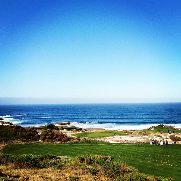 @DJohnsonPGA: Playing spyglass with Gretzky! Such a nice day!