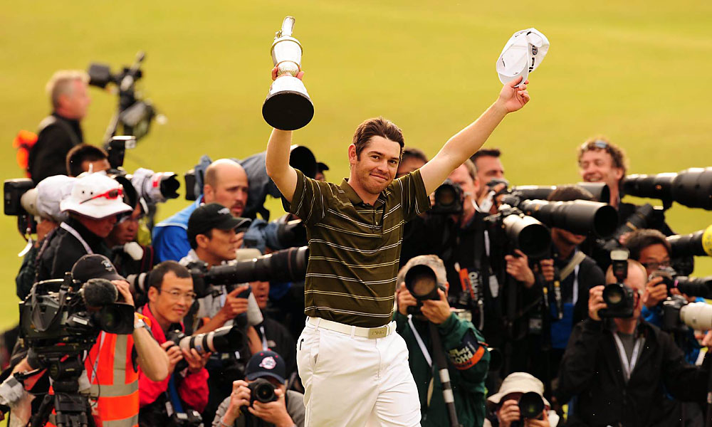 Louis Oosthuizen, 2010 British Open: 7 shots                       Oosthuizen won his first major in convincing fashion, beating the field by seven shots in the 2010 Open Championship at St. Andrews. Read More...