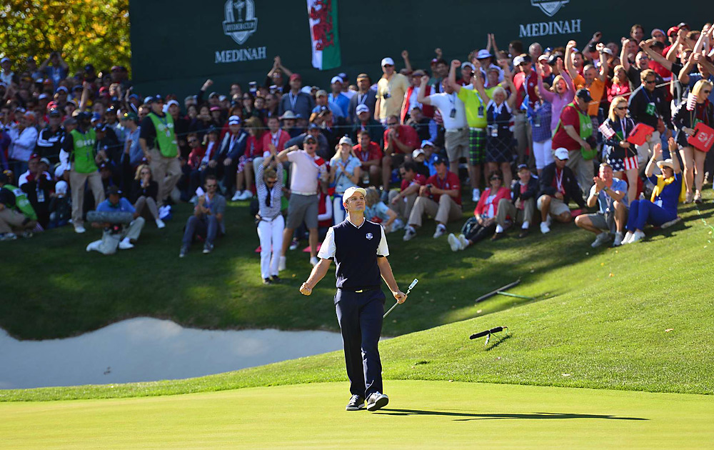 Justin Rose went on to drain a long birdie on 17, and another putt on 18 to beat Mickelson 1 up. The Europeans kept the momentum all afternoon on Sunday.