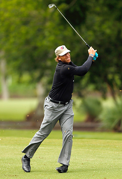 Ricky Barnes fired an eight-under 64 to grab the early lead in New Orleans.