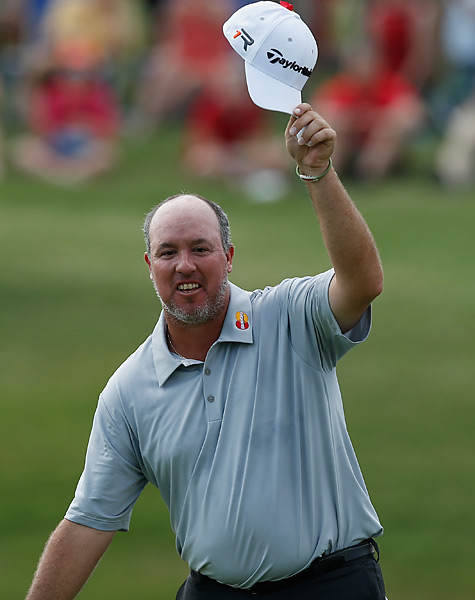 Weekley surged into the lead with birdies on holes 8-10, and he never gave up the lead.