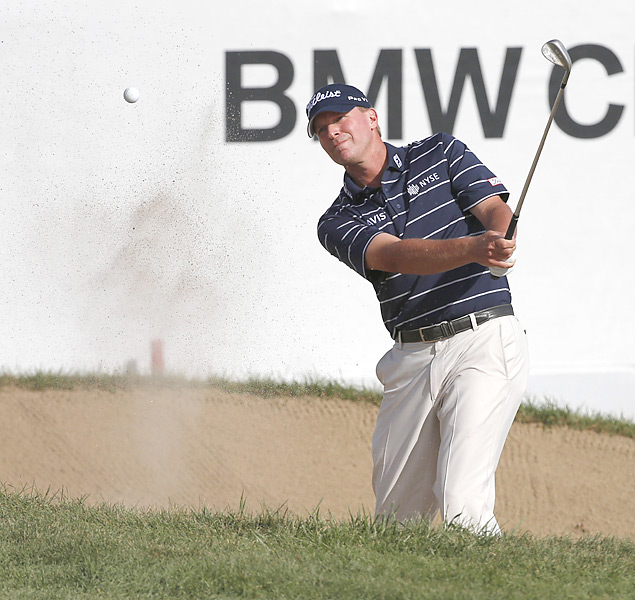 Steve Stricker shot a seven-under 64 on Saturday to pull into second place, one shot behind Furyk.