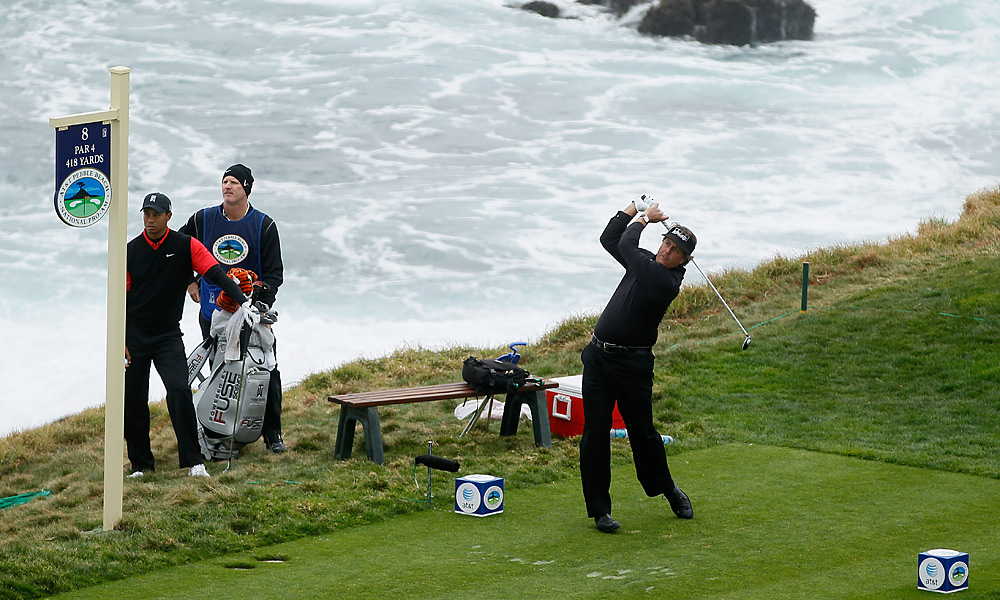 Woods and Phil Mickelson were set for an epic duel in the final round of the AT&T Pebble Beach National Pro-Am in February, but it was no contest. Mickelson shot 64 to win the title, while Woods struggled to a final-round 75 and tied for 15th place.