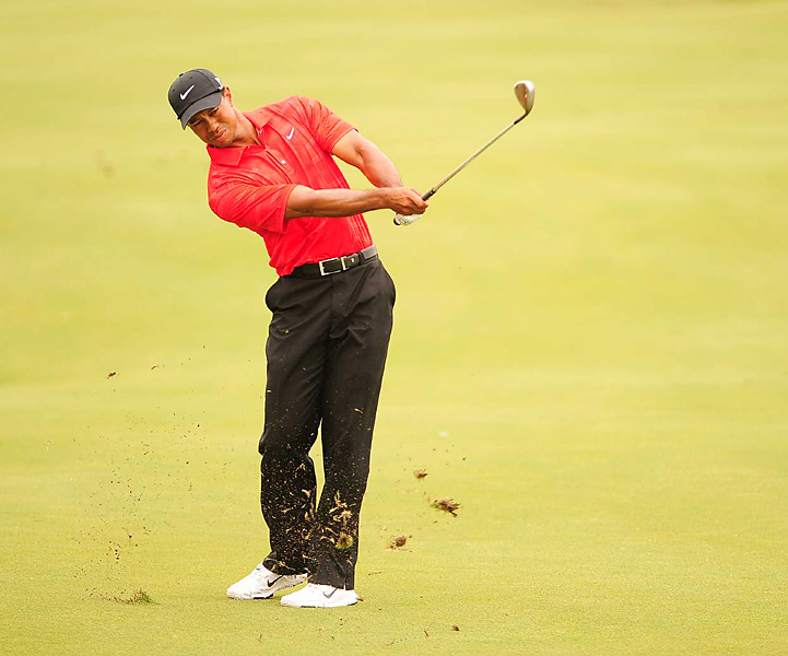 Woods began his final round 10 shots behind leader Kevin Na.