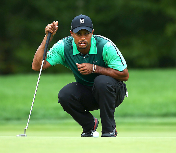 Tiger Woods shot a 72 to fade out of contention heading into Monday's final round. He's 13 shots behind Garcia.