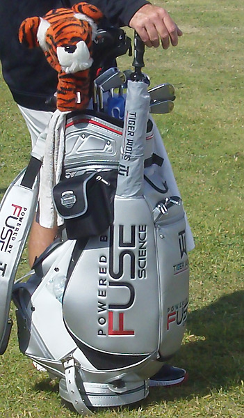 Woods has all Nike clubs in his bag.