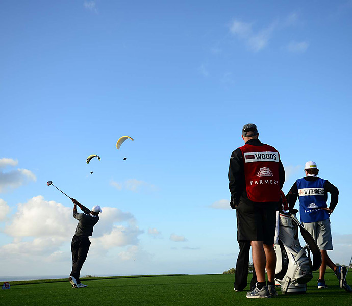 A group of paragliders had a perfect view of Tiger Woods's pursuit of his eighth career title at Torrey Pines.