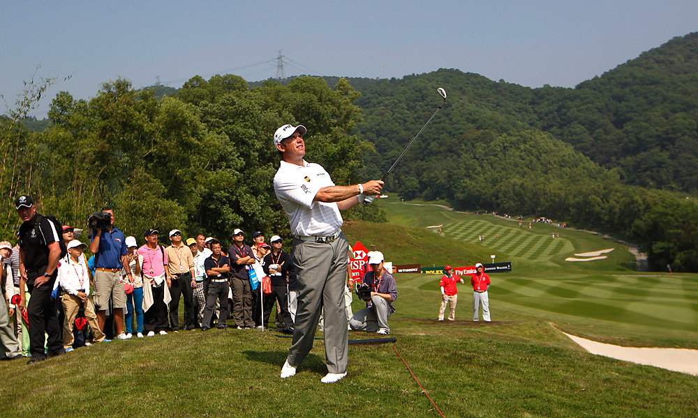 Lee Westwood rang up 11 birdies on Saturday while shooting a 61 to pull into a tie for the lead heading into Sunday.