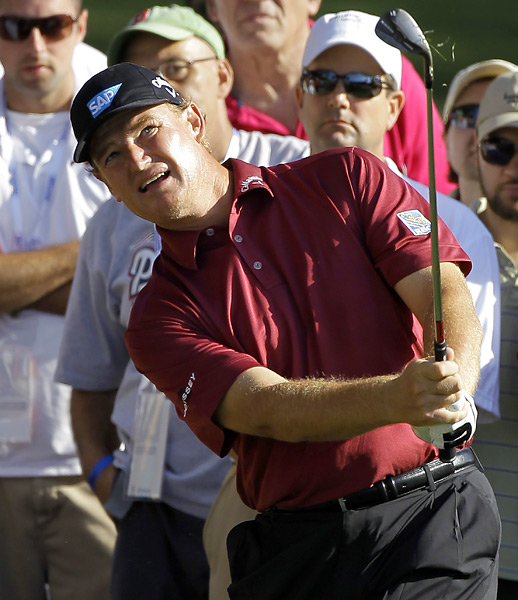 Ernie Els was in position to win it in regulation, but he bogeyed the final two holes to miss the playoff by one shot.