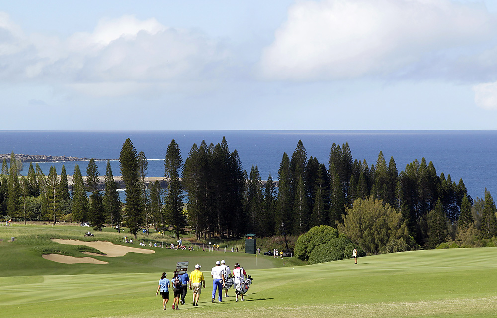 Round 3 was played under sunny skies and perfect Hawaiian conditions.