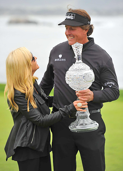 Mickelson credited a Friday pep talk with his wife, Amy, for his improved play on the weekend.