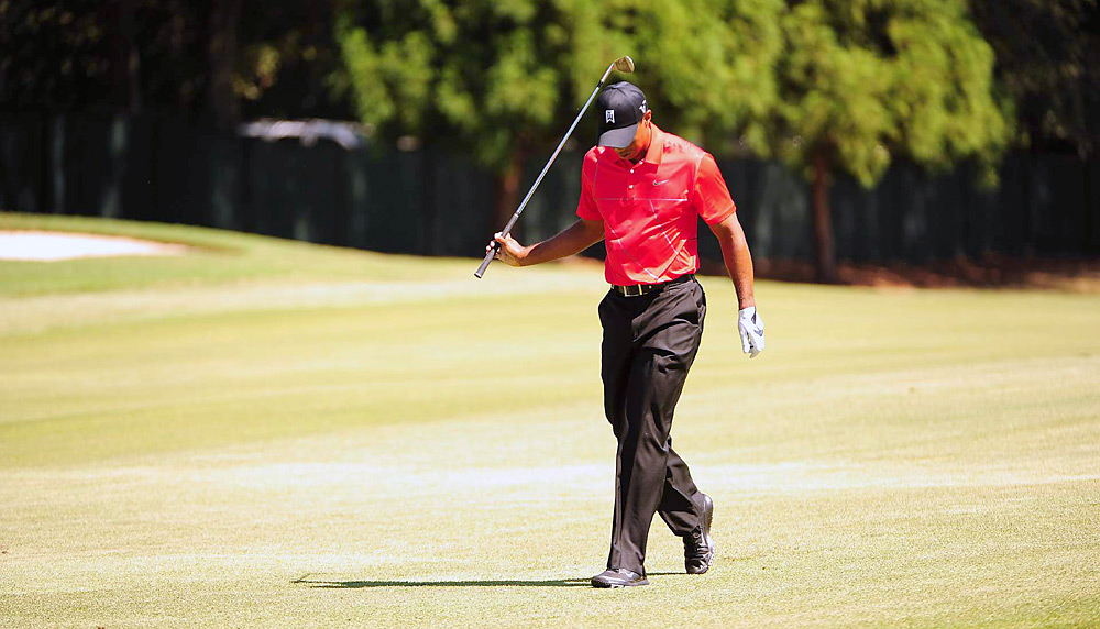 Woods made two bogeys and one double in his first six holes.