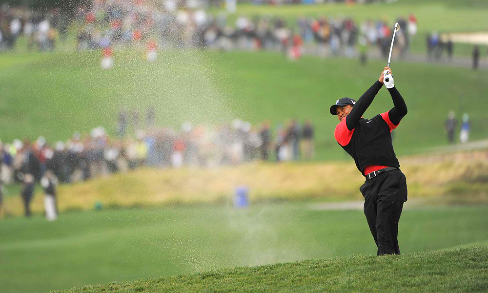 Woods made bogeys at 7, 8, and 9 to fall off the pace.