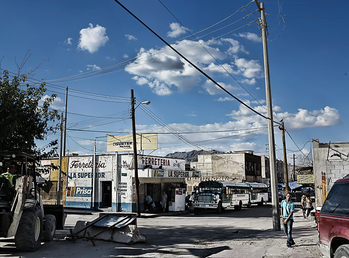 City buses are one of the cheapest and easiest ways to get in an out of downtown Juárez.