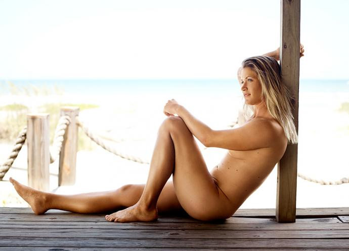 """Suzann Petterssen                                               This ultra-fit Swede, who posed nude for ESPN's """"Body Issue"""" in 2012 (pictured), reportedly spends up to eight hours a day working out. Makes you wonder when she works on her golf game."""