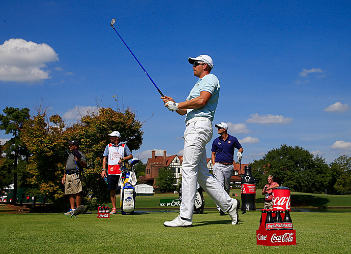 With the 66, Stenson has built a four-shot lead heading into Saturday.