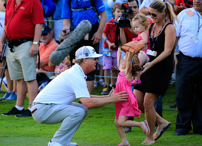 Hoffman's wife and two daughters greeted him on the 18th hole after he tapped in for the victory.