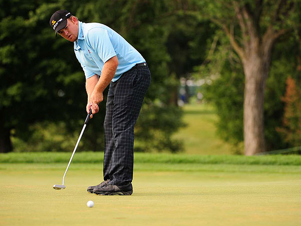 J.B. Holmes                     Campbellsville, Ky.                     Age: 26                     RC Rank: 21                     Driving Yds. 310.4 (3rd)                     Fairways Pct. 52.50% (199th)                     GIR Pct. 62.25% (137th)                     Putting Avg. 1.787 (77th)                                          Ryder Cup (R) 0-0-0                     World Rank 55th                                          He teed off with the third-round lead at the PGA                     Championship, tripled the 1st hole and failed to                     break 80, but Holmes was still an appealing wild-card pick for Azinger.                     Holmes is one of the longest hitters on Tour (310.4-yard average), has                     a nice touch with a wedge and makes a lot of birdies. Plus, he's from                     the Bluegrass State and has played many rounds at Valhalla.